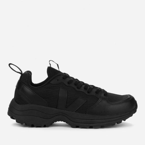 男士黑色运动鞋