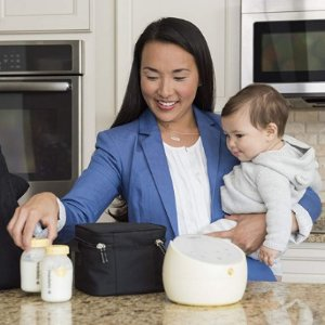 Up to 36% Off Medela Pump in Style Advanced Breast Pump with On the Go Tote & More @ Amazon