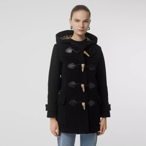 牛角扣羊毛大衣