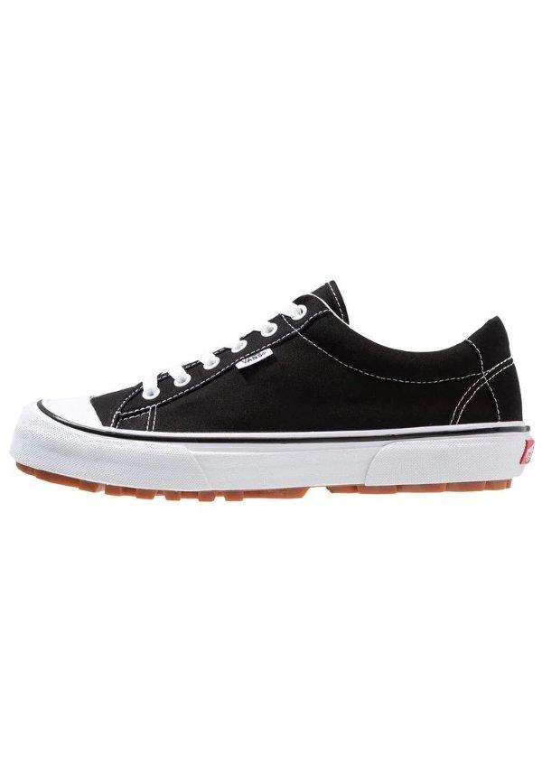 黑色百搭帆布鞋