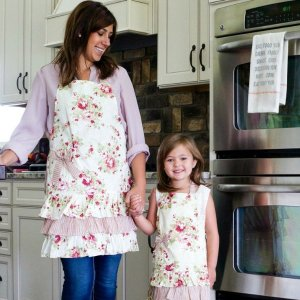 70% Off+ Free shippingWOMEN'S APRONS