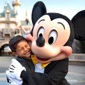 赢加州迪士尼乐园4人游David Jones 购迪士尼、漫威、星战产品参加抽奖