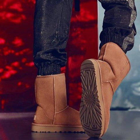 低至7.5折 £82收粉色毛球豆豆鞋The Hut 精选UGG 雪地靴、豆豆鞋、毛绒拖鞋热卖中