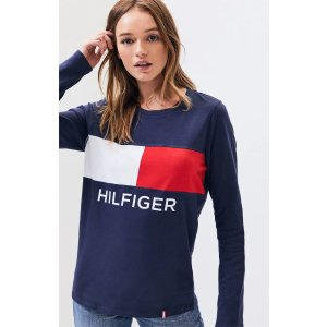 Tommy HilfigerFlag Long Sleeve T-Shirt