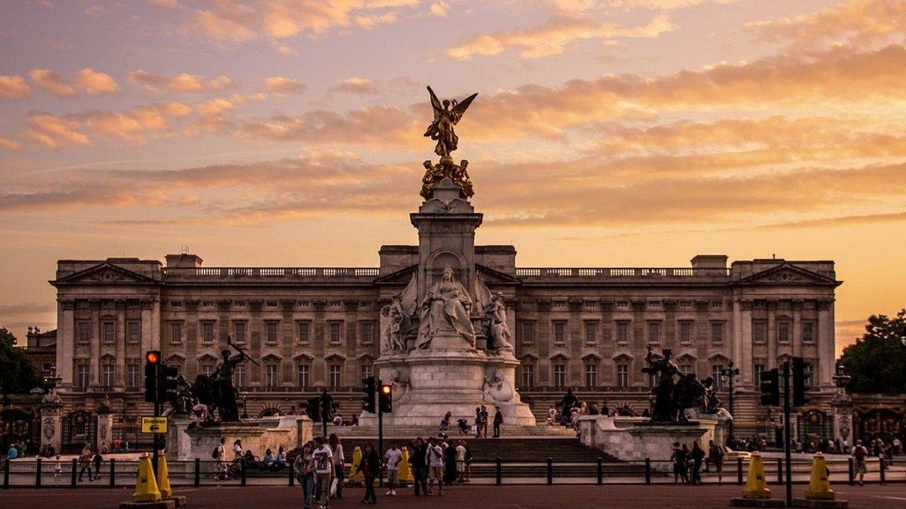 白金汉宫全指南 | Buckingham Palace白金汉宫/开放时间/官网门票/内部结构