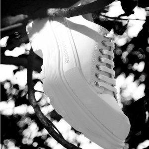 低至3折 Tread鞋$570Alexander Mcqueen 时尚鞋履热促 小白鞋、厚底靴都有