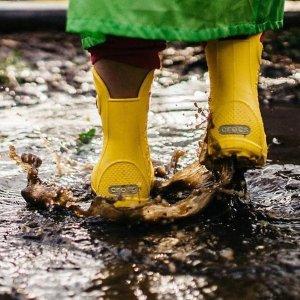 $20.99Crocs 儿童雨靴,带把手孩子自己也能穿,7色选