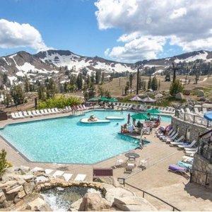 $65/晚起 冬奥会举办地 顶级滑雪场加州太浩湖周边奥林匹克山谷 4星级酒店好价