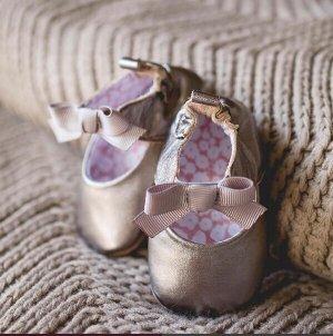 罕见!任意订单包邮啦!美国足医学协会认证 Robeez 宝宝学步鞋