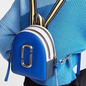 低至5折 $311收封面Marc Jacobs 特卖 封面双肩包粉色闪现 果冻相机包多色可选