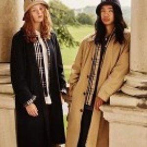 低至7.5折 $500+收双排扣风衣Burberry 男女士服饰,配件特卖
