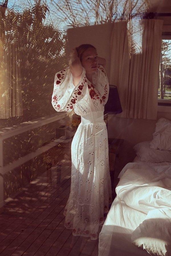 刺绣重工长裙