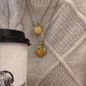 无门槛8折+免邮闪购:Missoma 全场大促 收时尚博主最爱硬币项链、小方绿宝石