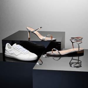 正价7折 封面小白鞋€175Stuart Weitzman 新品闪促来袭 夏日怎么能没有SW的一字带