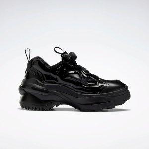 Reebok黑色气垫鞋