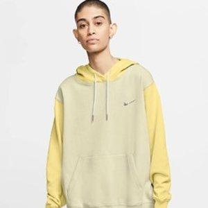 低至6折 $67收封面同款上新:Nike 卫衣连帽衫专场 秋季衣橱必备 又潮又IN 手慢无