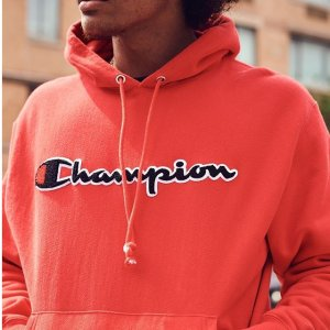 $28Champion Men's Graphic Powerblend Fleece Hood