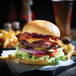 加$1换购5只无骨鸡翅Applebee's 任意现烤汉堡限时优惠