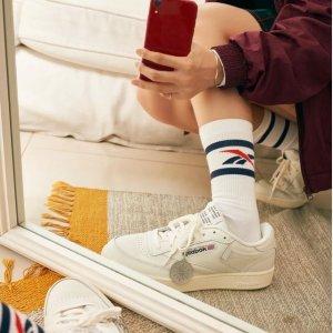 低至5折+额外8折独家:Reebok 经典复古运动鞋折上折 $45收粉色Club C