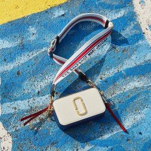 封面热门款国旗拼色相机包仅¥2160即将截止:Marc Jacobs 美包七夕限定7.5折,还有夏季果冻包