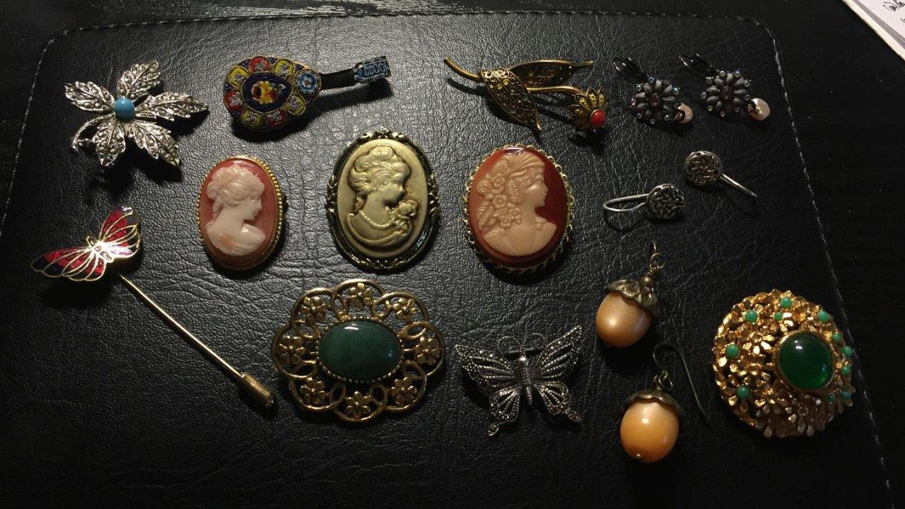 vintage 小白胸针收藏!