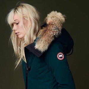 8.8折 款式齐全 粉丝喜爱白色上新Canada Goose 外套热卖, 冬天里的暖宝宝