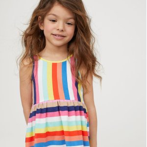 Up to Extra 30% OffKids Items Sale @ H&M