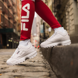 Up To 60% OffFila Select Sweatshirt and Sneakers On sale
