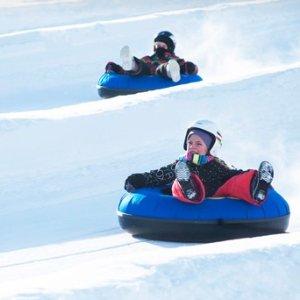 5折+额外8折 每人仅$8鼠你省钱:The ROC 滑雪圈公园双人2小时通票 体验纯正加国冬天