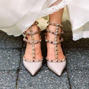 低至3.3折 收敲美铆钉鞋折扣升级:Valentino 精选女士美包美鞋成衣配饰等热卖