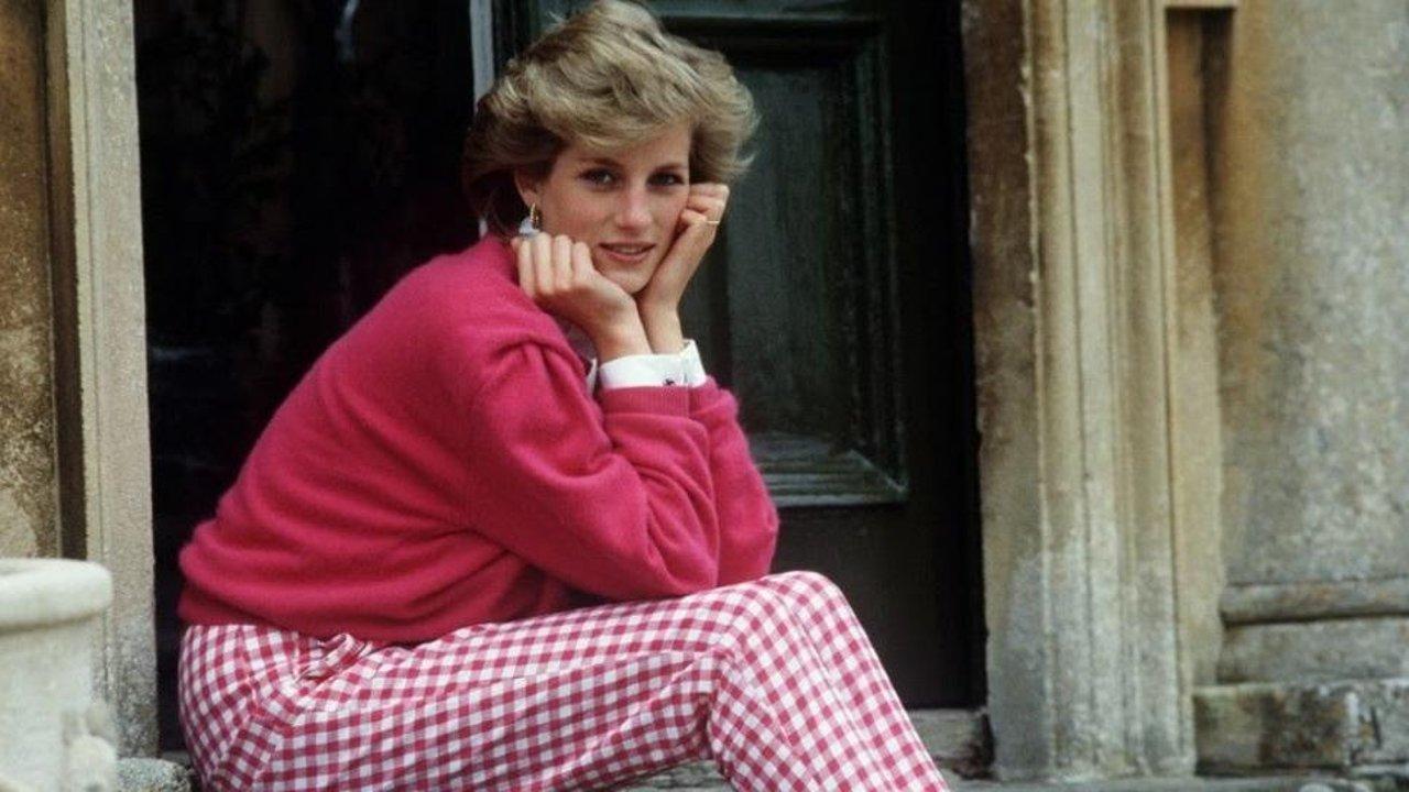 黛安娜才是『最省钱』王妃,一衣多穿我只服她!