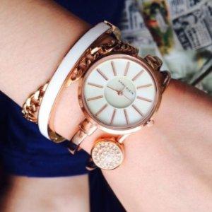 $48.99 +包邮 $30收镶钻樱花粉史低价:Anne Klein 施华洛世奇玫瑰金腕表4件套