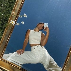 Up to 70% OffBloomingdale's Women's Designer Jeans on Sale