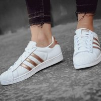 Adidas Superstar 运动鞋