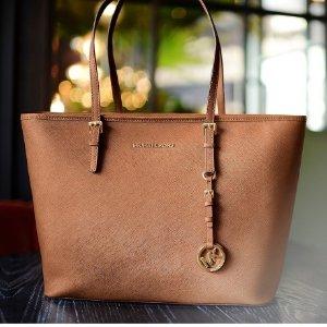 MICHAEL Michael KorsJet Set Medium Saffiano Leather Top-Zip Tote Bag