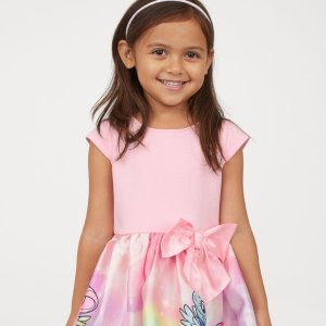 Up to 70% OffKids Items Sale @ H&M