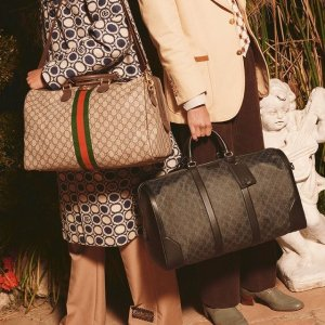 5折起 Gucci老花围巾$339Uninned 时尚专场 Gucci、Prada 风琴包、Logo钱包比价奥莱