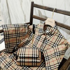 低至4折 半价收经典格纹链条小挎包Burberry精选热卖 经典英伦风服饰、鞋履$210起