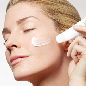 56% OffDealmoon Exclusive: Eve By Eves Hyaluronic Express Brush Mask Sale