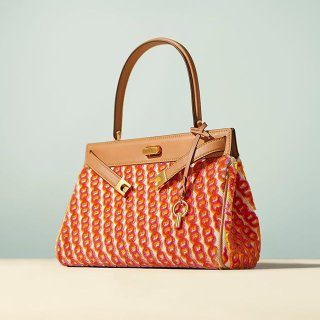 Up to 70% Off + Free ShippingTory Burch Handbags, Shoes & Clothing Sale