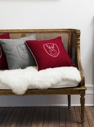 Hunting trophy cushion 45 x 45 cm   Simons Maison