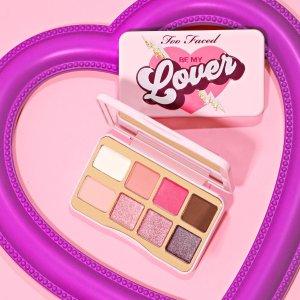 限时7折 仅€21收 国内售¥228Too Faced 一见钟情8色小铁盒眼影 粉紫系玫瑰香 打造约会妆