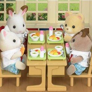 $21.59(原价$27.27)Calico Critters 学校的午餐玩具套装 可可爱爱熊熊兔兔 一起吃饭吧