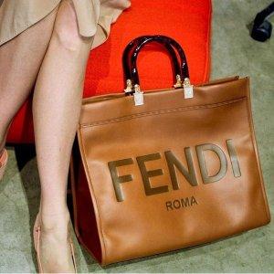 无门槛7.5折Fendi 春夏新款热卖,经典FF老花水桶包、小号法棍包都有