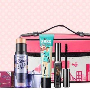 £35收价值£55的彩妆礼包+送化妆包Benefit 你的彩妆你做主 几十种彩妆任你挑选 明星单品都有