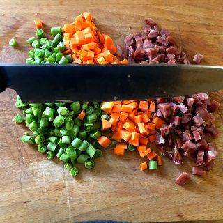 厨房里的刀锋对决