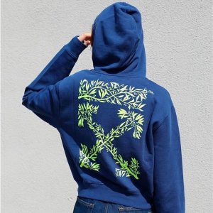 Up to 70% OffSSENSE Women T-shirt & Sweatshirt Sale