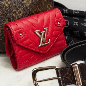 Celine钱包$440 高跟鞋$303上新:24S官网 LV、Celine、Fendi 经典单品 LV羊毛围巾$285