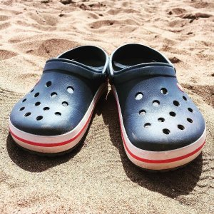Crocs7折,码全洞洞鞋