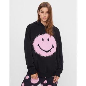 粉色笑脸连帽卫衣